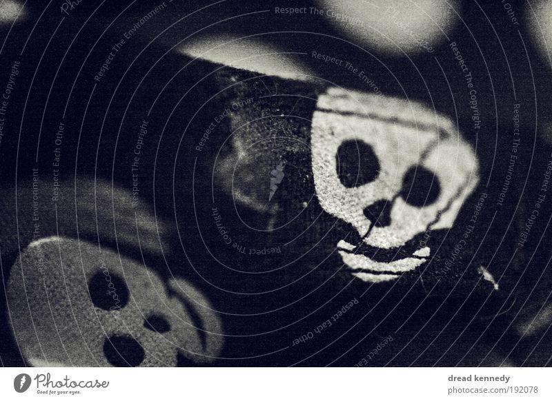 Happy Halloween alt weiß Freude schwarz Tod Leben Glück Stil Feste & Feiern Fröhlichkeit Zukunft gruselig Verfall Lebensfreude Veranstaltung trashig