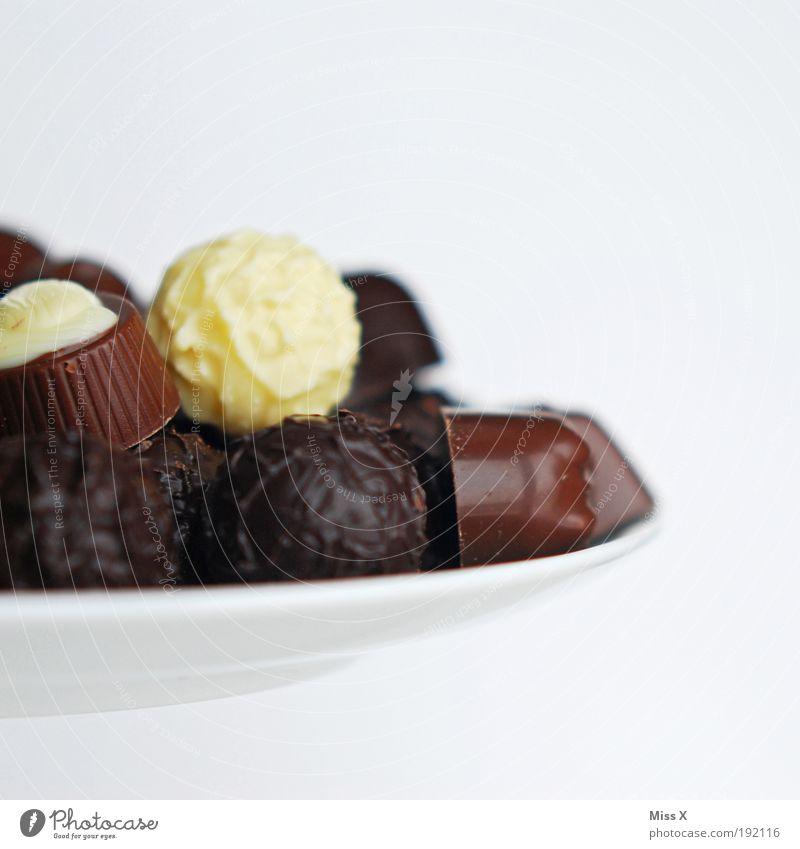 Für Dorit und Maspi klein Lebensmittel Ernährung süß rund lecker Süßwaren Schokolade Bildausschnitt Anschnitt Dessert Foodfotografie Konfekt Freisteller Kalorie