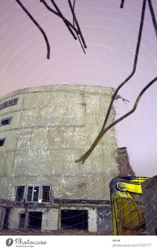 148147 gelb dunkel Arbeit & Erwerbstätigkeit Baustelle bedrohlich violett Ruine Wachsamkeit Kino Zerstörung Verzweiflung bauen Fortschritt Bagger Misserfolg