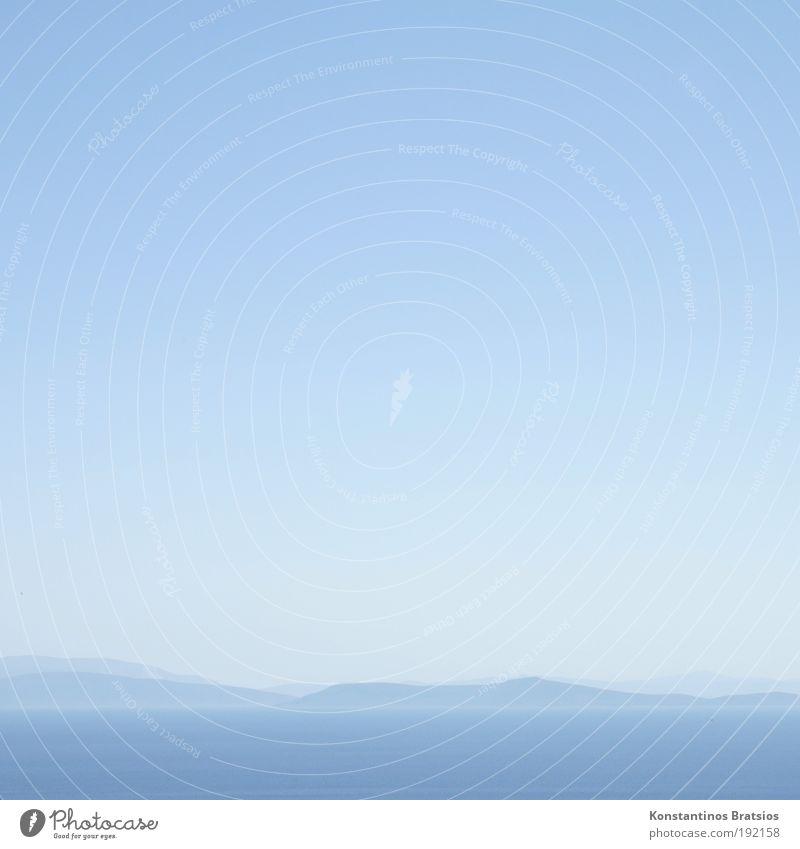 easy blue blau schön Ferien & Urlaub & Reisen Sommer Meer Farbe Ferne Landschaft hell Horizont Urelemente weich Hügel Schönes Wetter Wolkenloser Himmel Farbverlauf