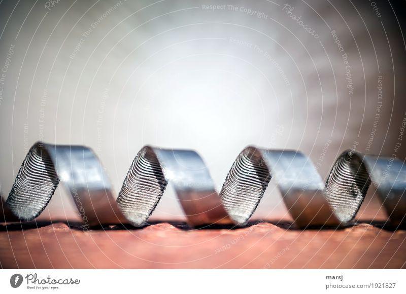 unscheinbares Detail l da winde ich mich Beruf Handwerker Eisenspäne Metallspan Späne Schrott Stahl Windung Unendlichkeit Kraft Zufriedenheit Bewegung verzahnt