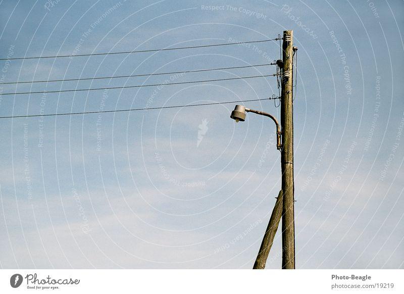 Festbeleuchtung Lampe Technik & Technologie Laterne DDR Strommast Draht Straßenbeleuchtung Telefonmast Zingst Elektrisches Gerät