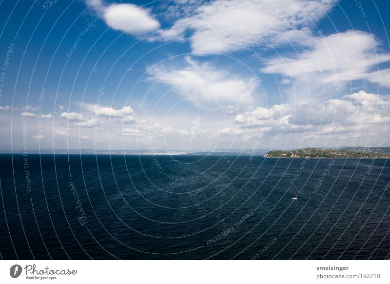 meer Ferien & Urlaub & Reisen Tourismus Ausflug Sommerurlaub Meer Umwelt Urelemente Luft Wasser Himmel Wolken Wind Wellen Küste Mittelmeer frei Unendlichkeit
