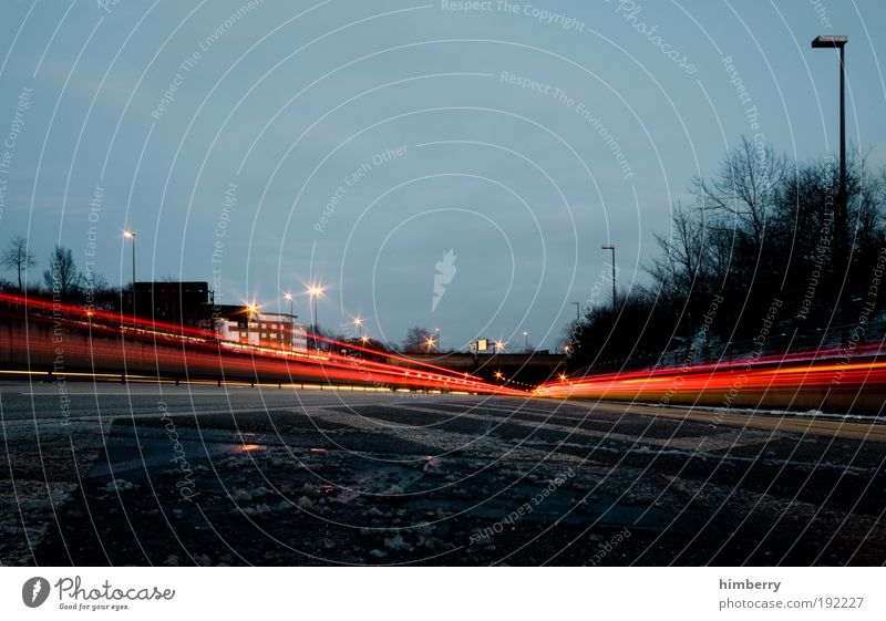 blitzeis Winter Straße Farbe dunkel Bewegung Kraft Straßenverkehr Design Energie Verkehr Geschwindigkeit Energiewirtschaft Coolness Güterverkehr & Logistik bedrohlich Autobahn