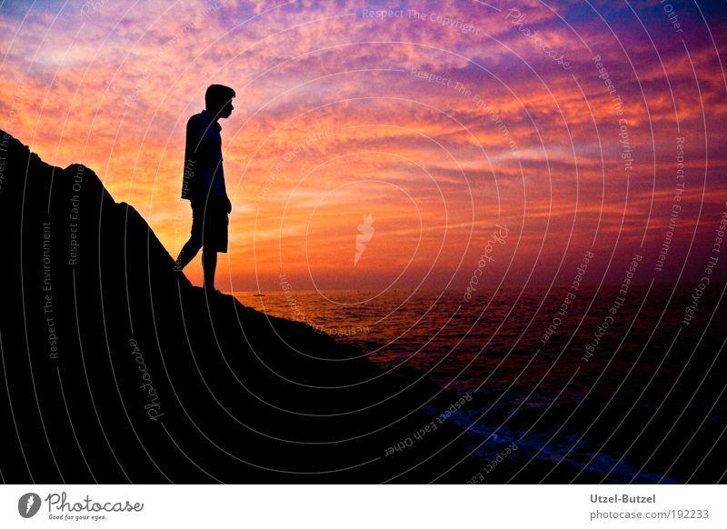 Rising Sun Mensch Wasser Himmel blau rot Wolken Einsamkeit Ferne Farbe Erholung Stein Zufriedenheit Stimmung frei Horizont Hoffnung