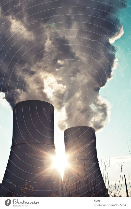 Sonnenkraft Himmel Umwelt grau Luft Arbeit & Erwerbstätigkeit Klima dreckig gefährlich Industrie Industriefotografie Schönes Wetter Rauch Abgas Erdöl Schornstein Klimawandel