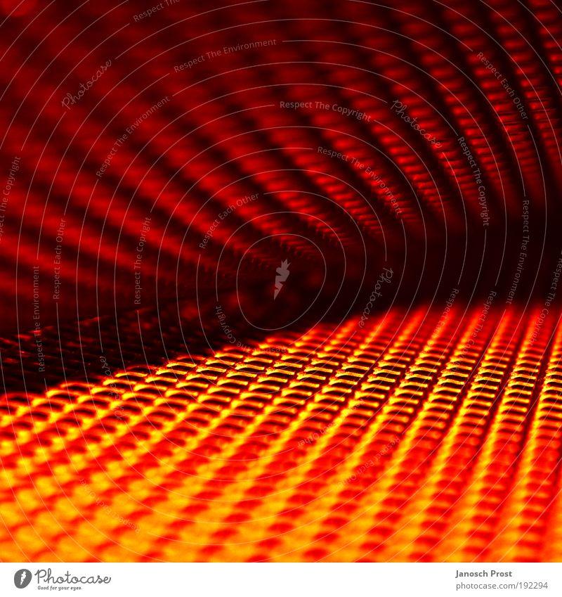 .Gitterspiele Metall Linie Netz leuchten dunkel eckig fest glänzend heiß modern Wärme gelb gold rot schwarz Warmherzigkeit träumen Platzangst Zukunftsangst