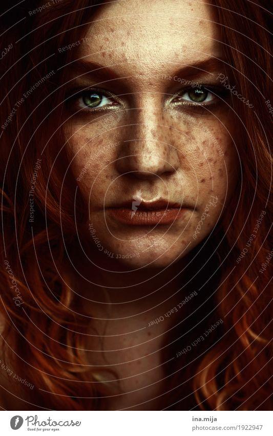 IV Mensch Frau Jugendliche Junge Frau schön 18-30 Jahre Gesicht Erwachsene Leben feminin Haare & Frisuren orange ästhetisch Haut einzigartig langhaarig