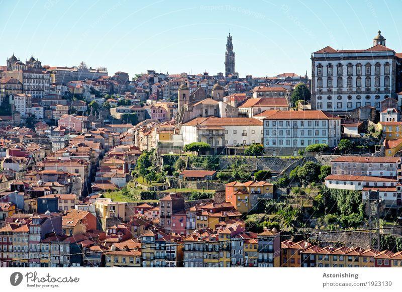 Porto Umwelt Natur Himmel Horizont Portugal Stadt Stadtzentrum Haus Kirche Bauwerk Gebäude Architektur alt blau mehrfarbig rot Reisefotografie Sommer