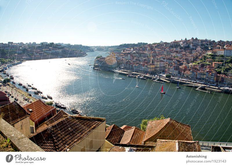 Stadt am Douro Umwelt Natur Himmel Wolkenloser Himmel Sonnenlicht Sommer Wetter Schönes Wetter Wärme Wellen Flussufer Porto Portugal Hafenstadt Stadtzentrum
