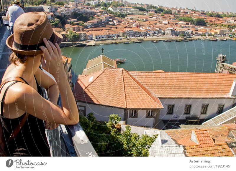 Blick auf den Fluss Mensch Natur Jugendliche Stadt Junge Frau Hand Haus Umwelt feminin Gebäude Kopf Wetter Körper Aussicht Arme Haut