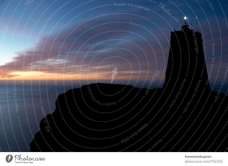 Wasser alt Himmel Meer blau Ferien & Urlaub & Reisen Landschaft Luft Küste ästhetisch Coolness Segeln Spanien Schifffahrt Wahrzeichen Leuchtturm