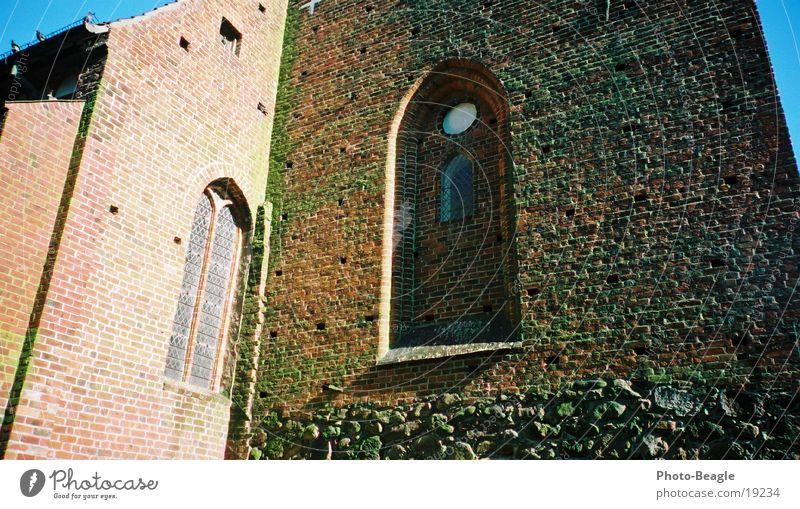 Fehmarner Kirche alt Mauer Religion & Glaube Freizeit & Hobby Tradition Christentum Kirchenfenster