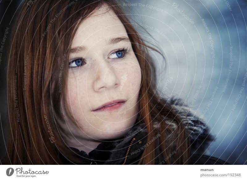 Marie feminin Mädchen Junge Frau Jugendliche Kindheit Gesicht 1 Mensch Herbst Winter rothaarig langhaarig Coolness schön positiv blau nachdenklich verträumt