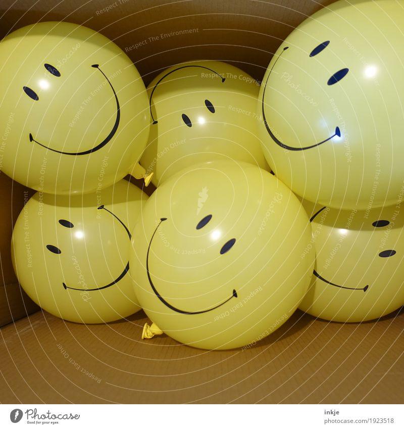 Familienfeier Lifestyle Freude Freizeit & Hobby Party Feste & Feiern Karneval Geburtstag Verpackung Paket Kasten Dekoration & Verzierung Luftballon Karton