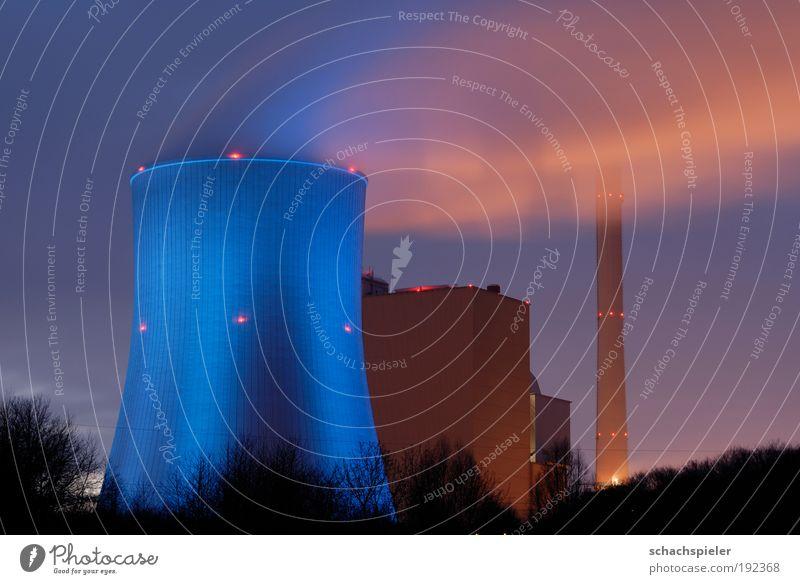 Kraftwerk am Abend Gebäude Architektur Umwelt Energie Energiewirtschaft Zukunft Technik & Technologie Klima Elektrizität Umweltschutz Industrieanlage Umweltverschmutzung Klimawandel Zukunftsangst Fortschritt Stromkraftwerke