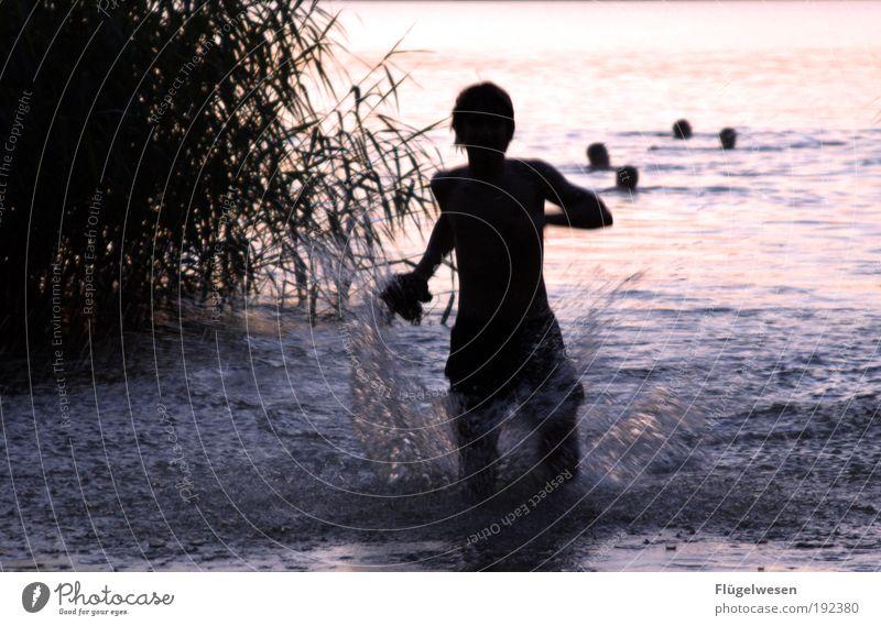 Gib mir die Badehose wieder! Jugendliche Wasser schön Ferien & Urlaub & Reisen Erholung Spielen See gehen Schwimmen & Baden Freizeit & Hobby laufen