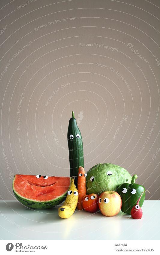 viele bunte Vitamine für DIEGO Gesicht Auge Ernährung Gesundheit klein Lebensmittel Frucht Apfel Gemüse lecker Appetit & Hunger Diät Bioprodukte Banane Möhre