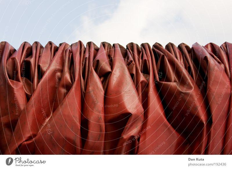 Ich hab's gerafft! rot Erholung Regen Zufriedenheit braun Kunst Schutz Hautfalten Lastwagen Falte Verfall Skulptur bizarr Sammlung Muster Decke