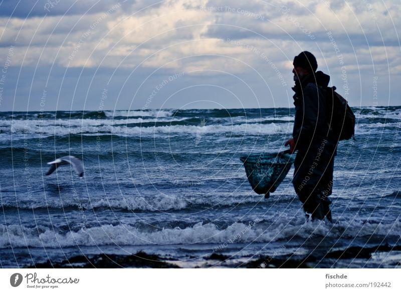 WANTED : Bernd Stein Angeln Ferien & Urlaub & Reisen Strand Meer Fischer maskulin Mann Erwachsene 1 Mensch Natur Wasser Himmel Wolken Horizont Wind Insel