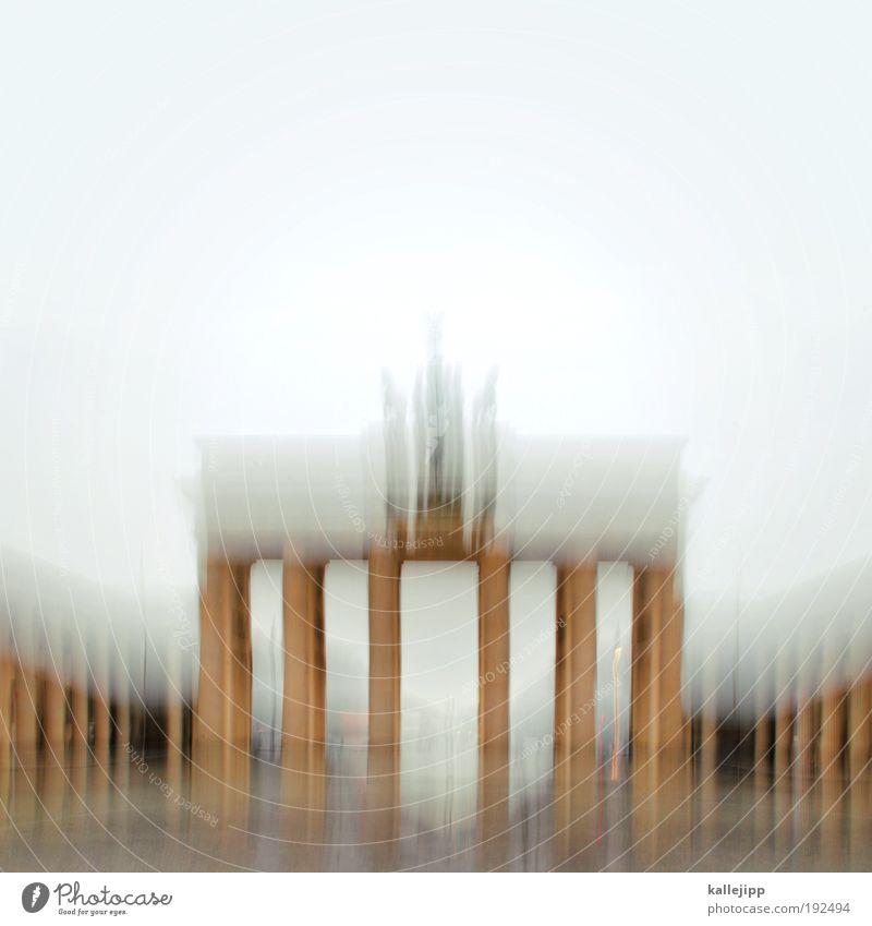 abstiegskampf Lifestyle Ferien & Urlaub & Reisen Städtereise Skulptur Tür Sehenswürdigkeit Wahrzeichen Denkmal Verkehr Verkehrswege Bewegung Berlin Deutschland
