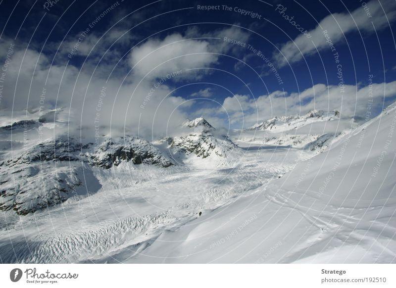 Bergwelten Ferien & Urlaub & Reisen Tourismus Winter Schnee Winterurlaub Berge u. Gebirge Klettern Bergsteigen Umwelt Natur Landschaft Himmel Wolken Sonnenlicht