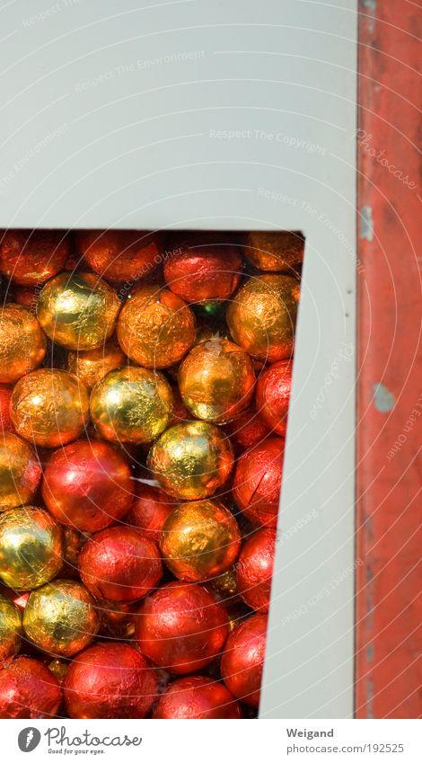 Goldrichtig weiß rot Ernährung träumen Lebensmittel gold Sehnsucht Dorf lecker Duft Süßwaren Schokolade Begeisterung Wege & Pfade Heimweh Discokugel