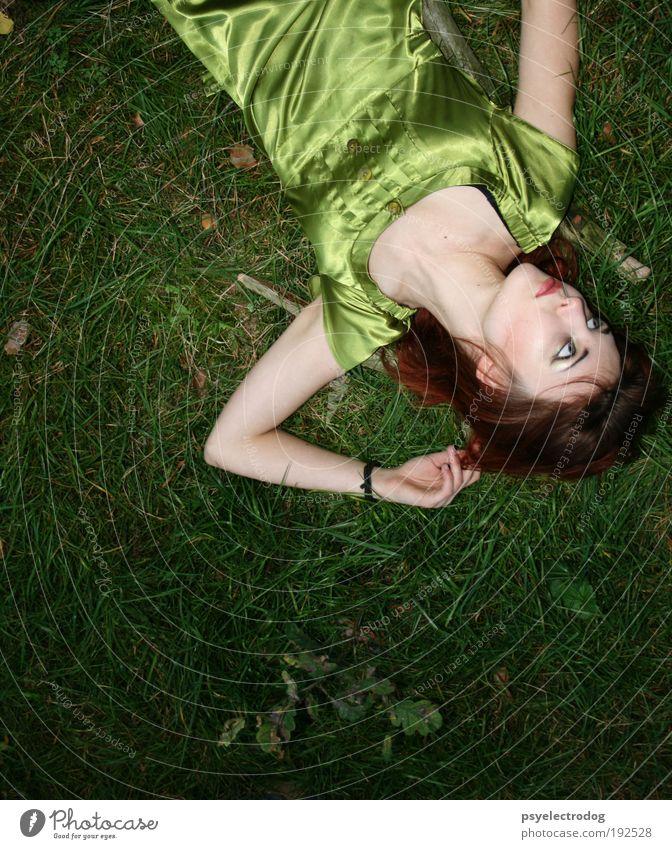 picnic Lifestyle schön Gesicht Kosmetik Wohlgefühl Sinnesorgane Sommer Mensch feminin Junge Frau Jugendliche 1 18-30 Jahre Erwachsene Natur Erde Frühling