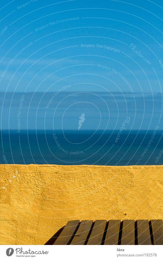 platz am meer Himmel Meer Ferien & Urlaub & Reisen ruhig Ferne Erholung Mauer Hintergrundbild Horizont Tisch Aussicht Schönes Wetter Terrasse Blauer Himmel