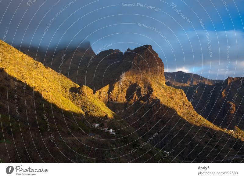 der Tag geht zu Ende II Himmel Natur Ferien & Urlaub & Reisen Wolken Ferne Landschaft Berge u. Gebirge Ausflug Tourismus Insel entdecken Spanien Schlucht Vulkan Teneriffa Sonnenaufgang