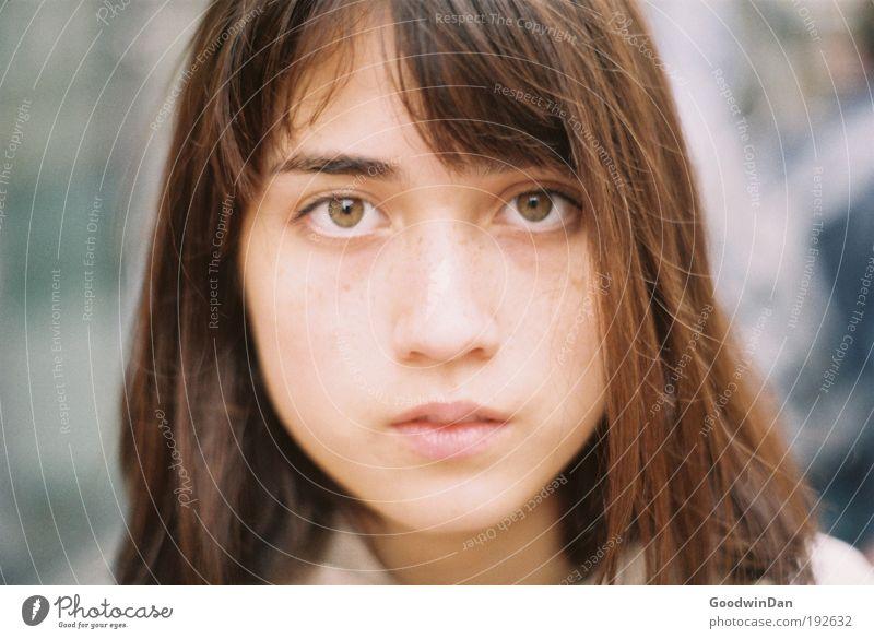 Analoge Liebe Jugendliche schön Gesicht Erwachsene feminin Gefühle Stimmung Zufriedenheit frei ästhetisch 18-30 Jahre einfach festhalten Unendlichkeit berühren