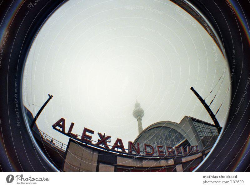 ALEXANDERPLATZ Himmel Stadt Winter Wolken dunkel Berlin Gebäude Architektur Schilder & Markierungen Schriftzeichen Kugel Zeichen Skyline Bauwerk