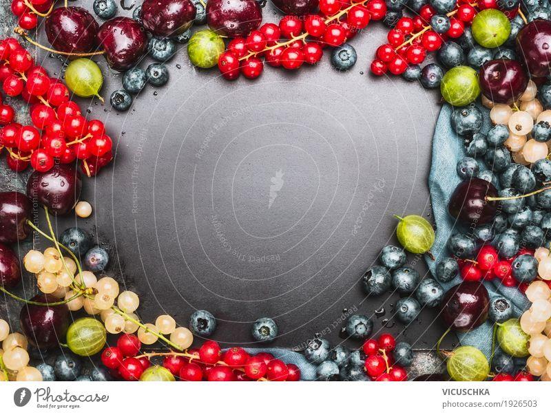 Hintergrund mit verschiedenen Sommer Beeren Frucht Ernährung Bioprodukte Vegetarische Ernährung Diät Saft Stil Design Gesundheit Gesunde Ernährung Leben Tisch