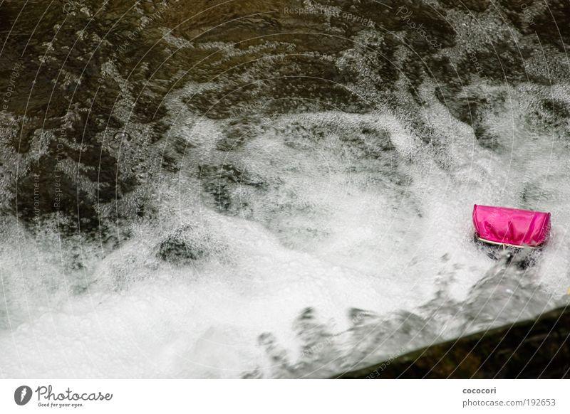 weggespült Wasser weiß Stil rosa glänzend nass leer Tasche verloren Bach Wasserfall Entsetzen Accessoire Gefühle Kleinstadt Portemonnaie