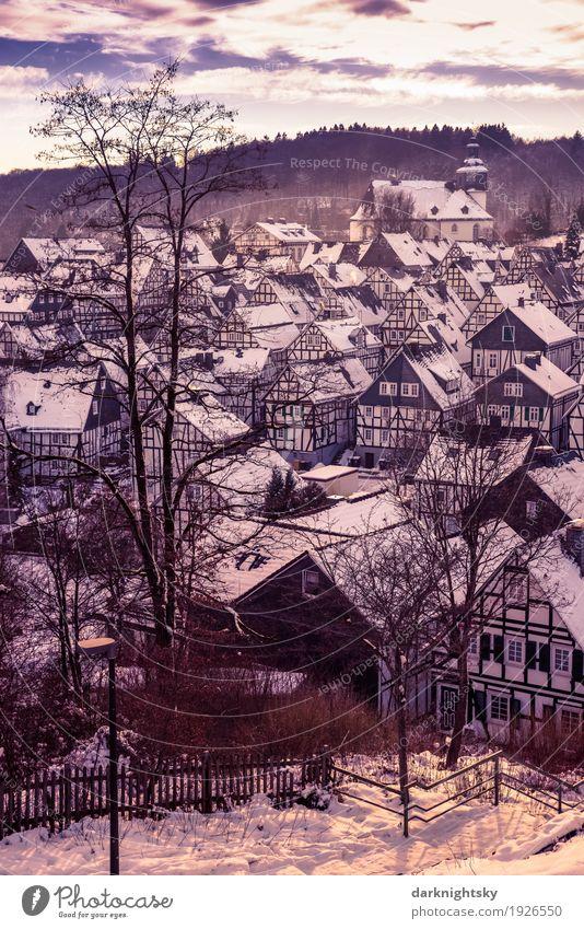 Altstadt von Freudenberg im Siegerland, Alter Flecken Landschaft Wolken Park Dorf Kleinstadt Stadtzentrum Skyline Menschenleer Haus Kirche Bauwerk Gebäude