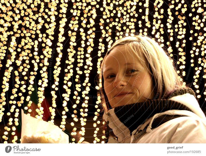 all good things come from above. Mensch Frau Jugendliche schön Winter Gesicht Erwachsene Leben feminin Kopf Haare & Frisuren Lampe Feste & Feiern blond Freizeit & Hobby Haut