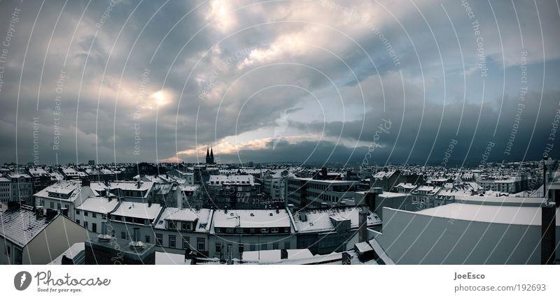 raum für gedanken... schön Stadt Winter Haus Wolken kalt Horizont Perspektive Energiewirtschaft Dach Baustelle einzigartig Gebäude Wirtschaft Stadtzentrum bauen