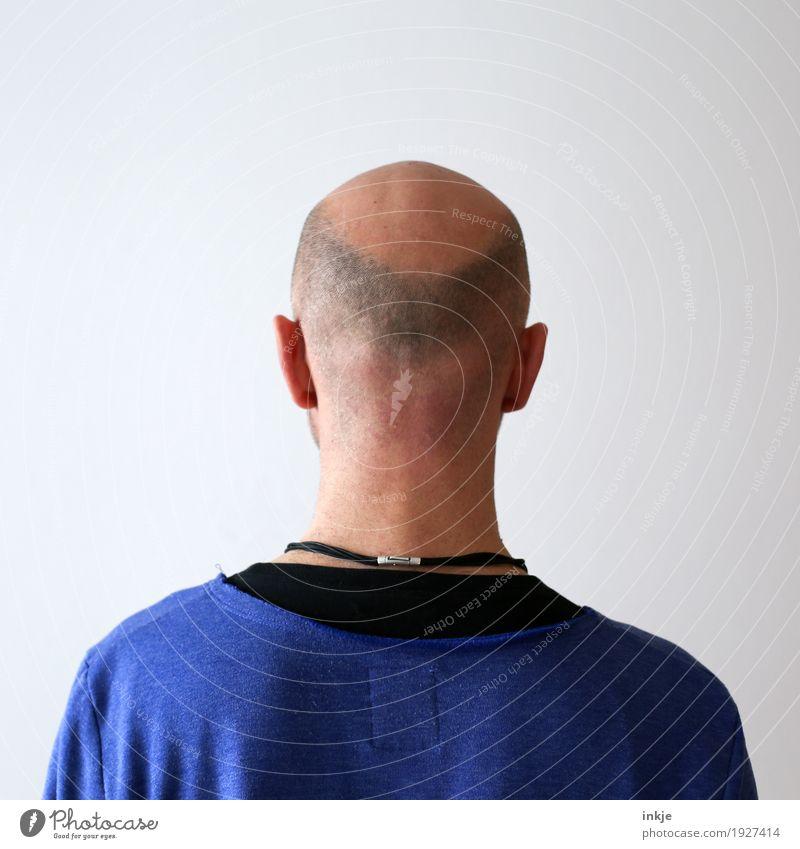 man without hat Lifestyle Stil Mann Erwachsene Leben Kopf Rücken 1 Mensch 30-45 Jahre 45-60 Jahre Haare & Frisuren Glatze Haarausfall stehen Vergänglichkeit