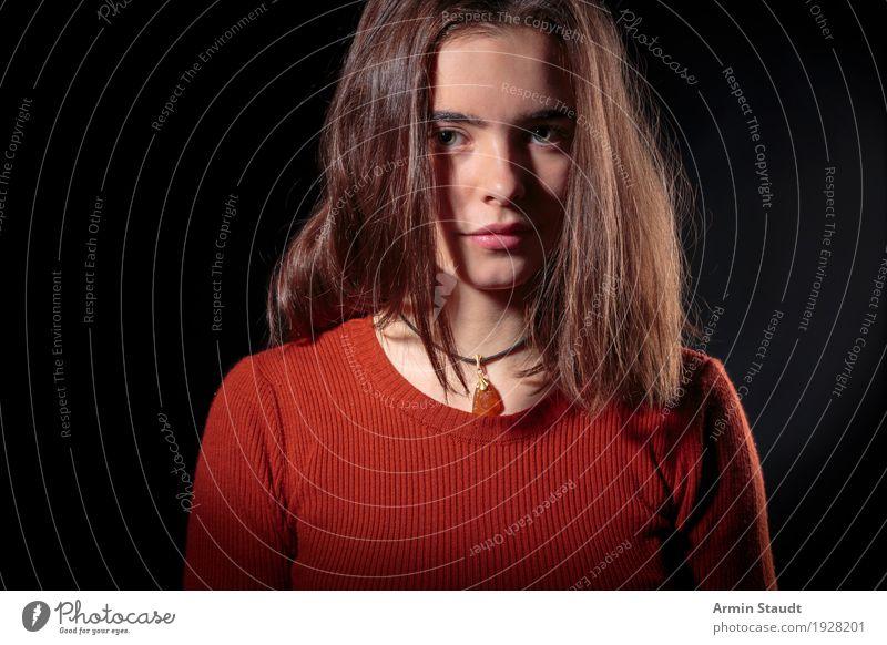 Porträt Mensch Frau Jugendliche Junge Frau schön schwarz Erwachsene Lifestyle Gefühle feminin Stil Stimmung 13-18 Jahre authentisch Lächeln einzigartig