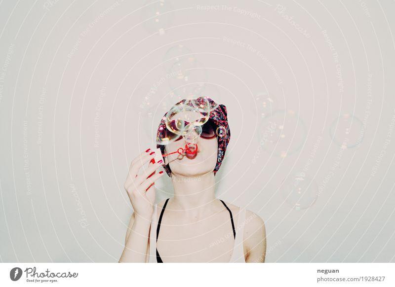 Blasen in deinem Kopf Lifestyle Stil Haut Lippenstift Nagellack Party Mensch Gesicht Jugendkultur Mode Stoff Feste & Feiern genießen Spielen Gefühle