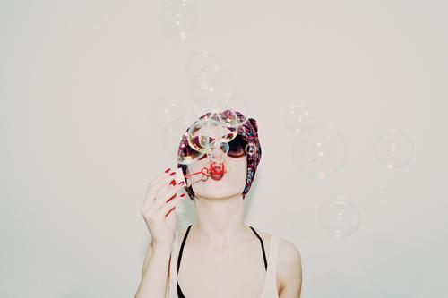 Blasen in deinem Kopf Mensch Gesicht Leben Gefühle Liebe Lifestyle Stil Spielen Mode Party Feste & Feiern Fröhlichkeit Haut genießen Sex Jugendkultur