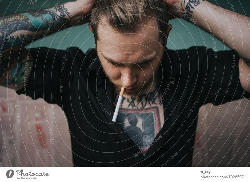Tattoos & Cigarettes Lifestyle exotisch Körper Haare & Frisuren Nachtleben Party Musik Feste & Feiern maskulin Junger Mann Jugendliche Kopf Brust Arme 1 Mensch