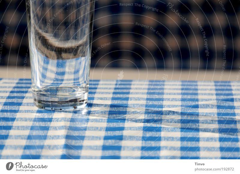 I hob an Durscht! blau Sommer weiß Glas leer Tisch Getränk Ausflug trinken Dienstleistungsgewerbe Picknick Tischwäsche Durst Biergarten ausgehen bayerisch