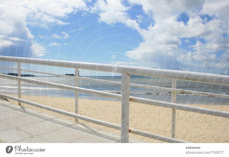 Samil Himmel weiß Meer Strand ruhig Wolken Ferne Wege & Pfade Sand Landschaft Küste Horizont leer Verkehrswege Geländer Leichtigkeit