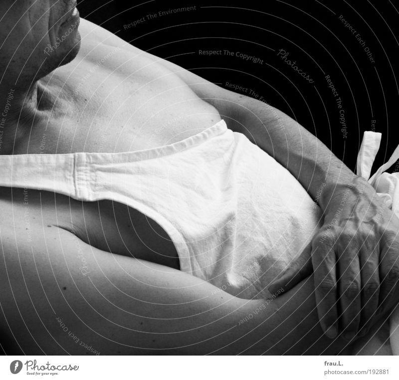 Sommerkoch Mensch maskulin Leben Brust 1 45-60 Jahre Erwachsene Schürze einzigartig Gelassenheit ruhig Pause Wärme Kochschürze Schleife Hand Senior Haut