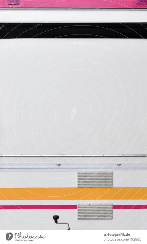 Streifenwagen II Ferien & Urlaub & Reisen weiß schwarz gelb Graffiti Metall Linie rosa geschlossen warten Schilder & Markierungen leer Streifen Güterverkehr & Logistik Zeichen Jahrmarkt