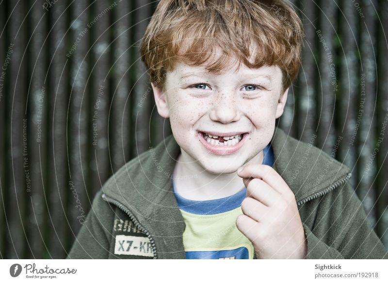 Wenn die Zahnfee grüßt... Kind Junge Kindheit Zähne 1 Mensch 3-8 Jahre T-Shirt Jacke Stoff rothaarig lachen frech Fröhlichkeit listig lustig niedlich grün