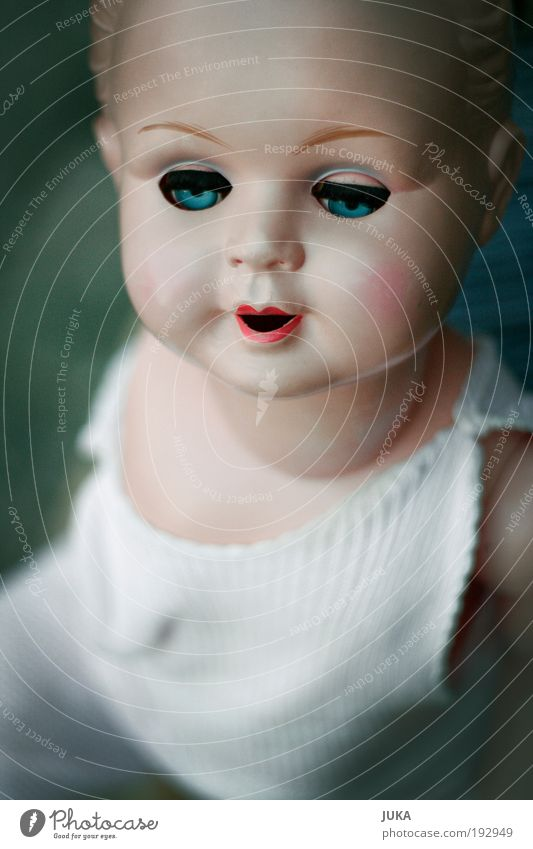 Puppe Kitsch Spielzeug unschuldig Krimskrams Sammlerstück