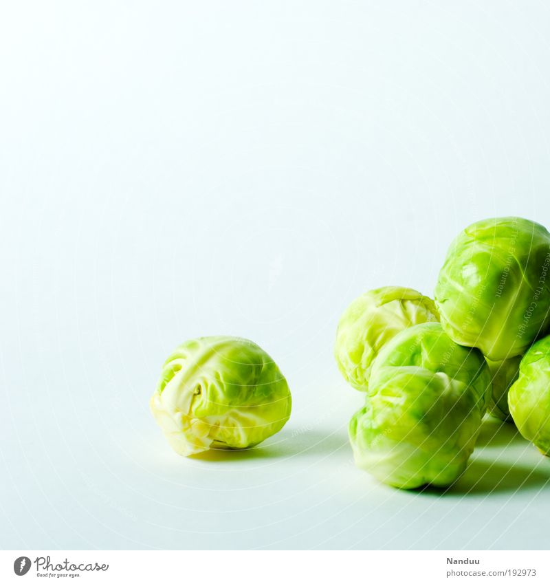 Gemüsebällchen grün frisch Ernährung Gesunde Ernährung rund Sauberkeit genießen Bioprodukte Stapel Diät Kochen & Garen & Backen Vegetarische Ernährung knackig