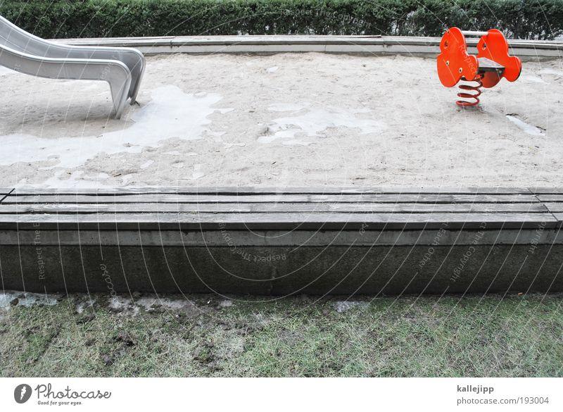 der schwarm Freizeit & Hobby Spielen Kindergarten Fisch 2 Tier Spielplatz Rutsche Sandkasten Wippe Metallfeder rot Eis Winter Farbfoto mehrfarbig Außenaufnahme
